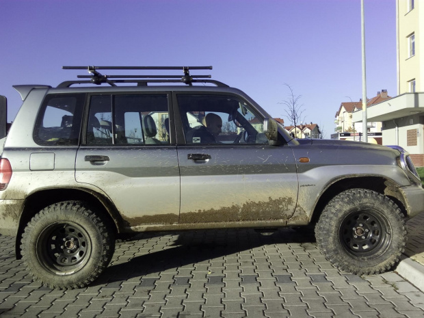 What wheels to suit Pajero IO with lift? - less offset