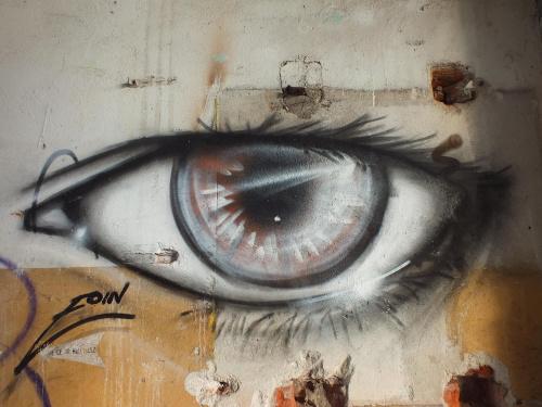 Mówią,że oczy są zwierciadłem duszy,a moja dusza ma smutek....